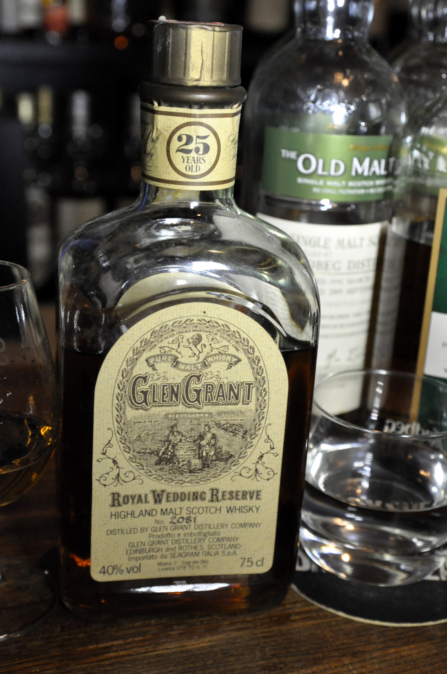 "グレングラント Glen Grant 25yo ""Royal Wedding Reserve"" (40%,OB, btl no.2081)"