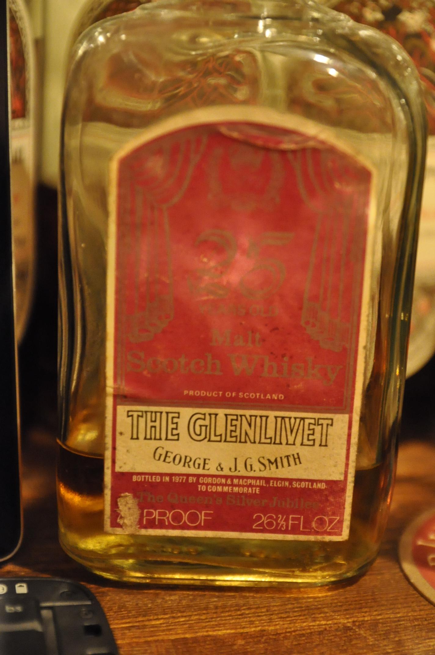 """グレンリベット The Glenlivet 25yo 1952/1977 """" The Queen's Silver Jubilee"""" (70Proof, G&M Licensed, George Smith, 26 2/3FL.OZ)"""