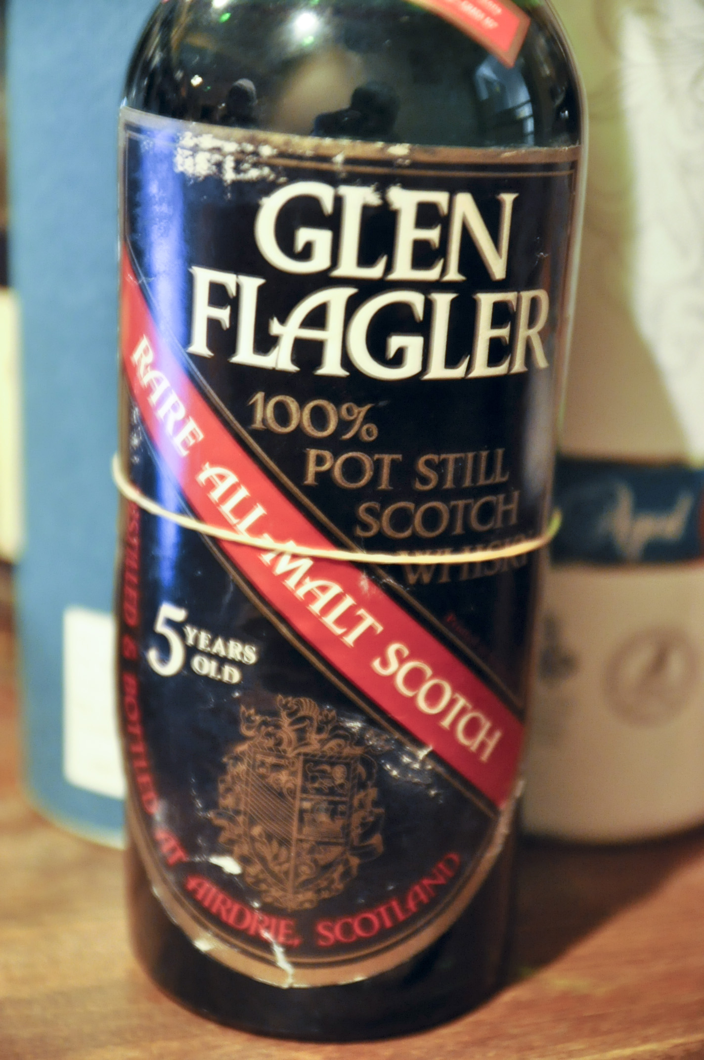 グレンフラグラー Glen Flagler 5yo (70 Proof, OB, Black & red shield label, 1970's)